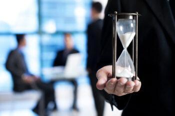 Urgencia-Reloj de arena corriendo