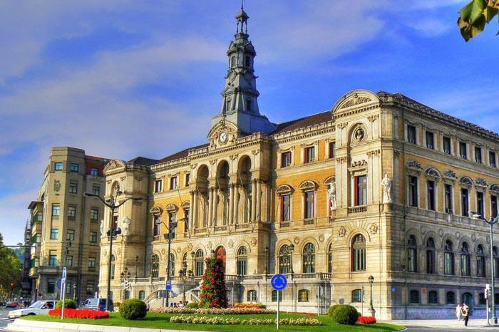 El Ayuntamiento de Bilbao licita su primer expediente electrónico.