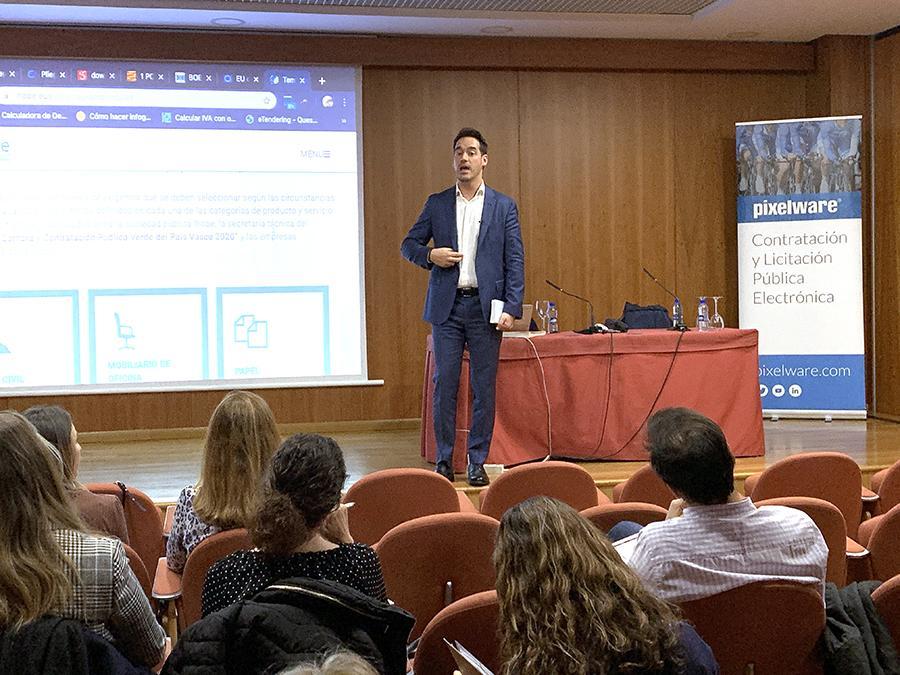 consultor en Contratación Pública, Javier Vázquez Matilla,centró su intervención en los aspectos más prácticos de la LCSP